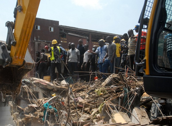 Ibadan: 8 persons feared kill in building collapse