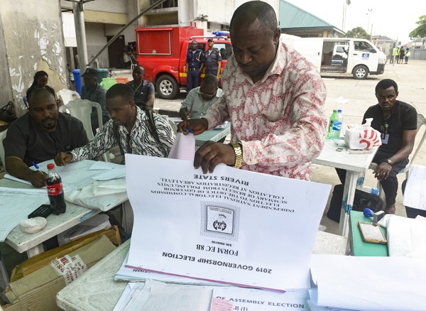 25 elected Kebbi lawmakers receive certificates of return from INEC