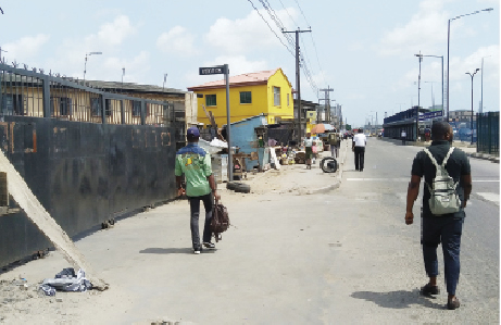 Two killed, many injured as gangsters clash in Lagos