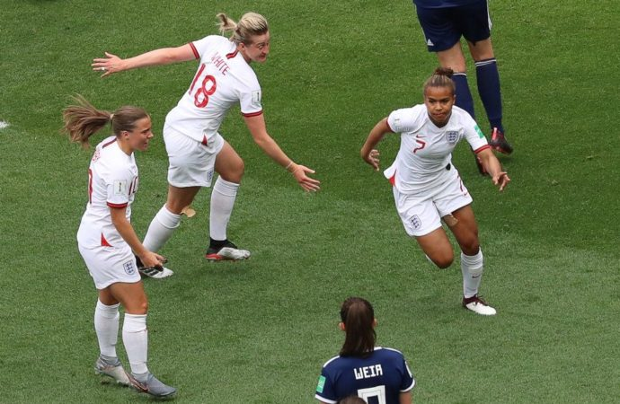 Women's World Cup: England claim victory over Scotland