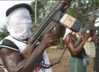 Gunmen kidnap 3 expatriates, kill policeman in Osun