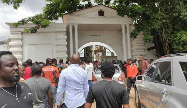 PDP, APC distance members, supporters from Oba palace mayhem