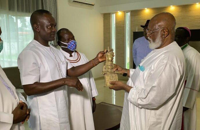 Peace accord: Benin monarch honours Abdulsalami, Kukah for commitment to violent-free poll in Edo