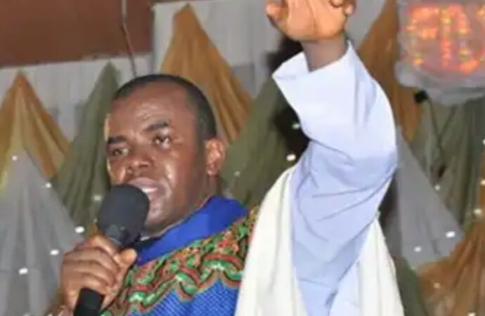 Mbaka hails APC summon to Pope over call for Buhari resignation